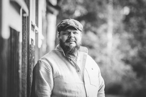 Valokuvaaja-Mikko-mustavalkoinen